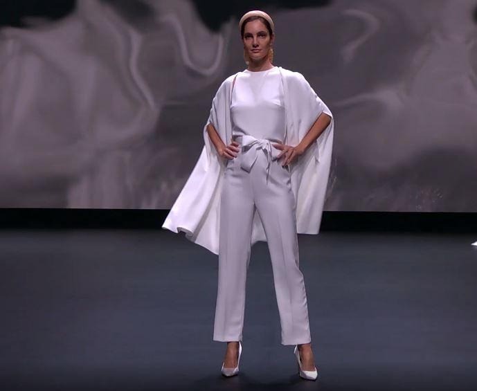 Scopri la collezione 2021 di Jesus Peiro per la Valmont Barcelona Bridal Fashion Week 4