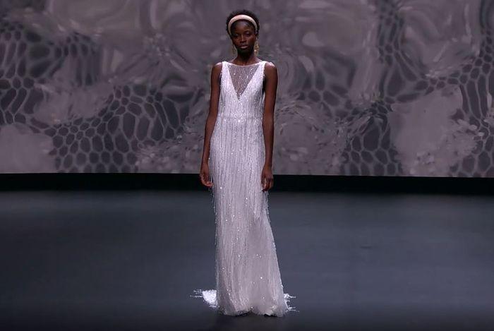 Scopri la collezione 2021 di Jesus Peiro per la Valmont Barcelona Bridal Fashion Week 5