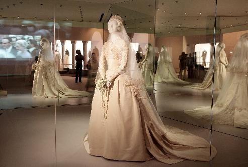 Scarpe Sposa Grace Kelly.Il Tuo Abito Da Sposa Ispirato A Quello Di Grace Kelly