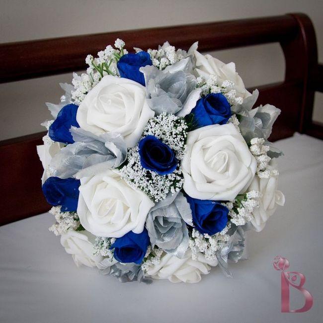 Bouquet Sposa Blu E Bianco.Bouquet Da Sposa Invernale Blu E Bianco Prima Delle Nozze