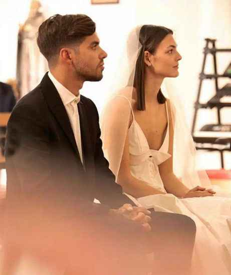 La top model Vittoria Cerreti sposa a Ibiza il fidanzato sei mesi dopo averlo conosciuto - 7