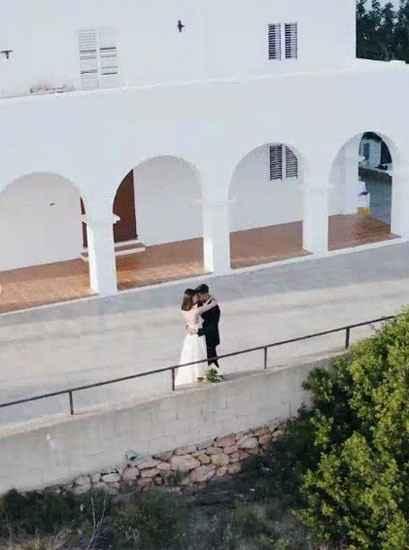 La top model Vittoria Cerreti sposa a Ibiza il fidanzato sei mesi dopo averlo conosciuto - 8