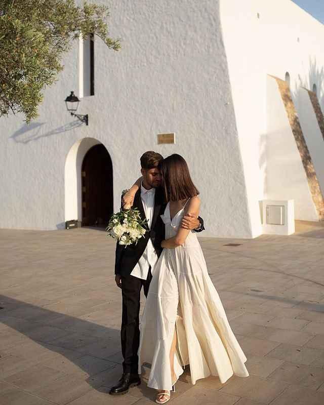 La top model Vittoria Cerreti sposa a Ibiza il fidanzato sei mesi dopo averlo conosciuto - 15