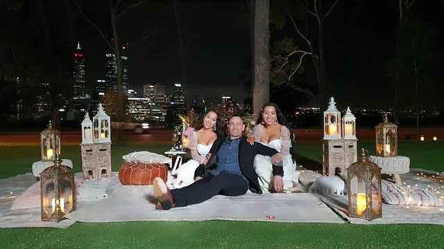 Le sorelle gemelle Anna e Lucy DeCinque sposano lo stesso sposo - 2