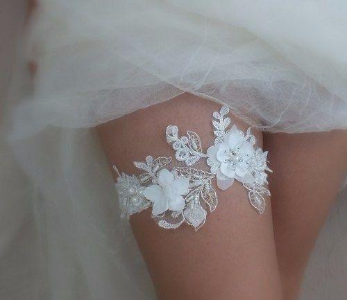 Ben noto A chi piace questa giarrettiera da sposa? - Moda nozze - Forum  IH01