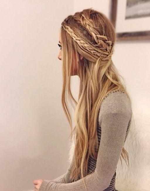 1) Acconciatura sposa con capelli lisci n. 1