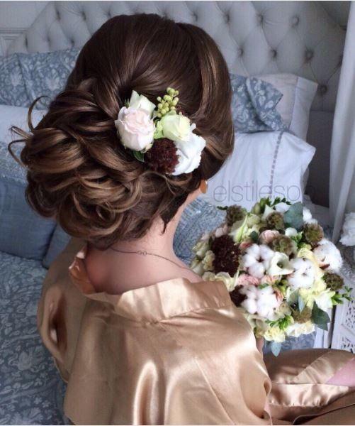 c) l'accessorio sposa di Sara