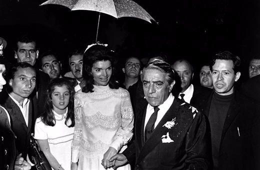 Che prevedeva il contratto prematrimoniale di Onassis e Jacqueline Kennedy?