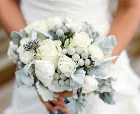rose e bacche bianche