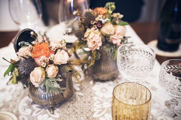 Cosa dire delle vecchie teiere? Guardate l'effetto con dei fiori..