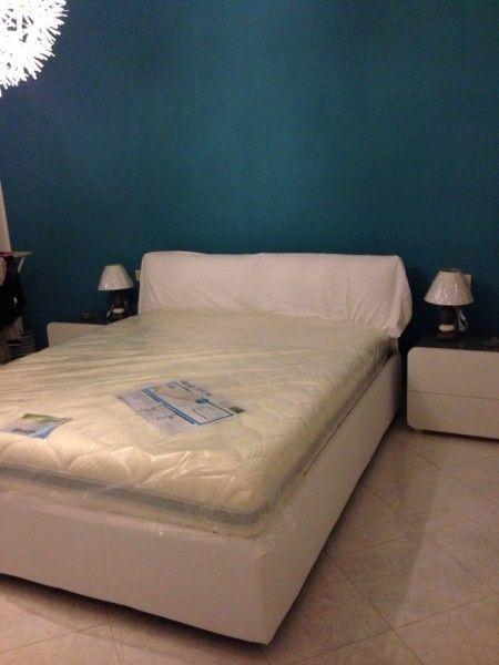 Camera da letto bianca che colore scegliere x le pareti - Parete camera da letto tortora ...