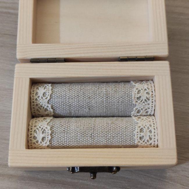 Porta fedi di legno - 2