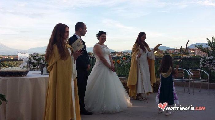 Matrimonio Celtico Uomo : Rito celtico foto neo spose