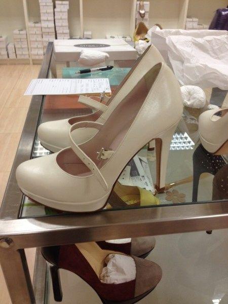 Adora le mie scarpe schiavo 3