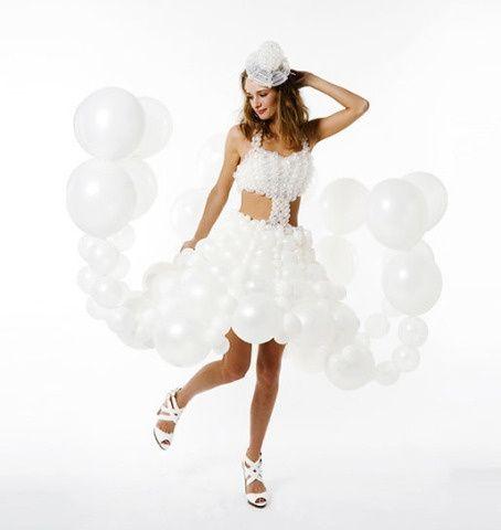abiti da sposa coi palloncini