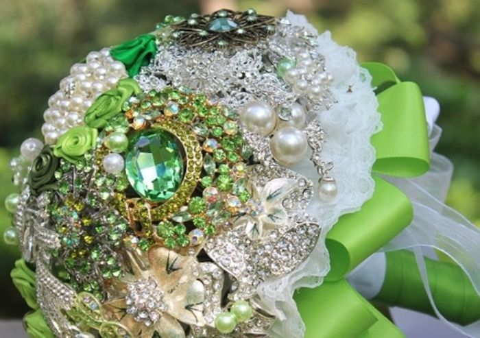 il bouquet della sposa, gioiello, colore verde 2
