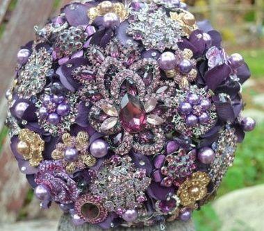 il bouquet della sposa, gioiello, colore glicine, viola
