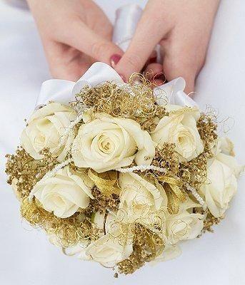 il bouquet della sposa, gioiello, colore oro