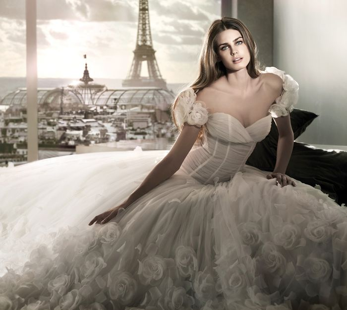 abito da sposa, stile scollo omerale 5