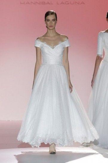 abito da sposa, stile scollo omerale 12