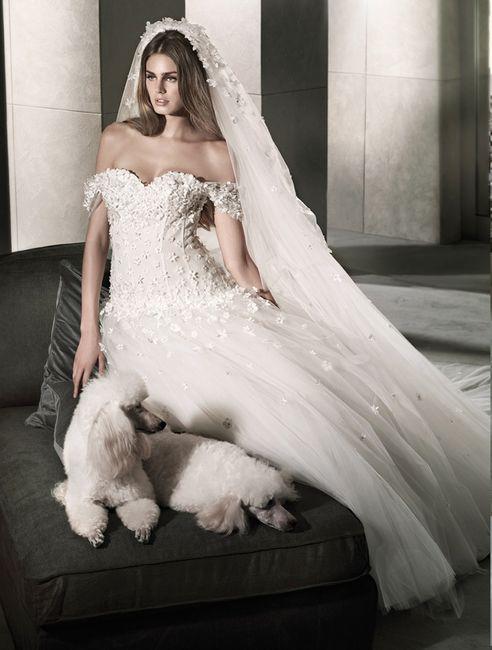 abito da sposa, stile scollo omerale 16