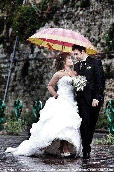 Guida agli accessori da sposa 9 - l'ombrello - colorato