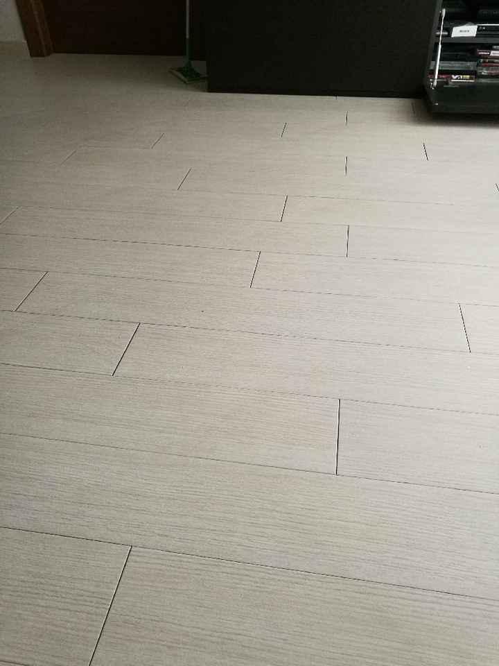 Pavimento adesivo - 1