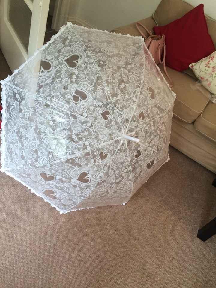 Ad ogni sposina, il suo ombrello! - 1