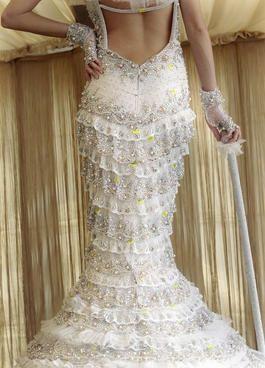 Matrimonio Gipsy Stilista : Abiti da sposa da guinness: moda nozze forum matrimonio.com