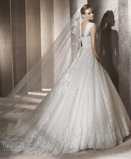 43877fa07e86 Abito da Sposa Stile Principessa. modello principessa