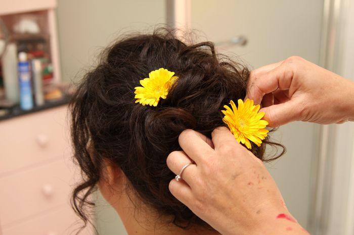 Fiori tra i capelli