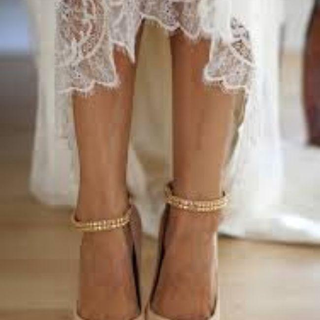 Sceglierete delle scarpe colorate, bianche oppure color nude? 2
