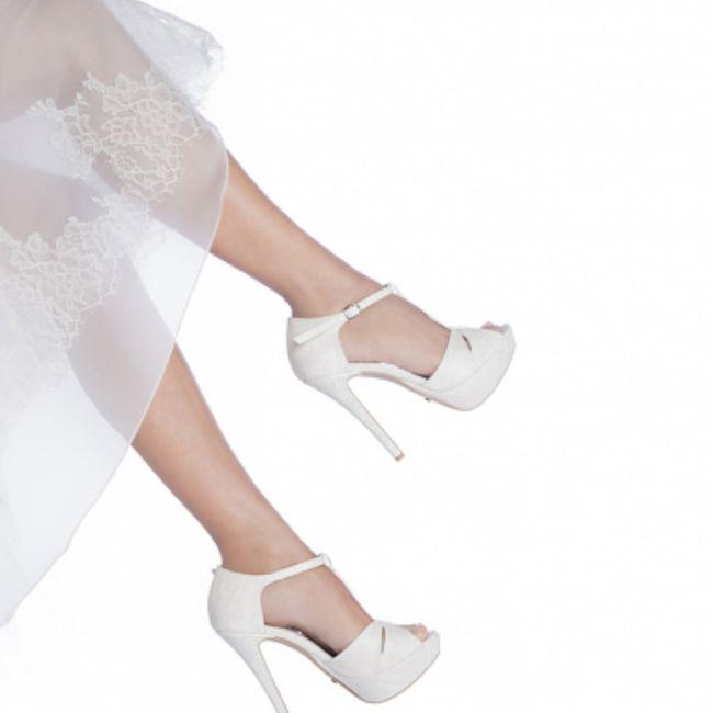 Sceglierete delle scarpe colorate, bianche oppure color nude? 3