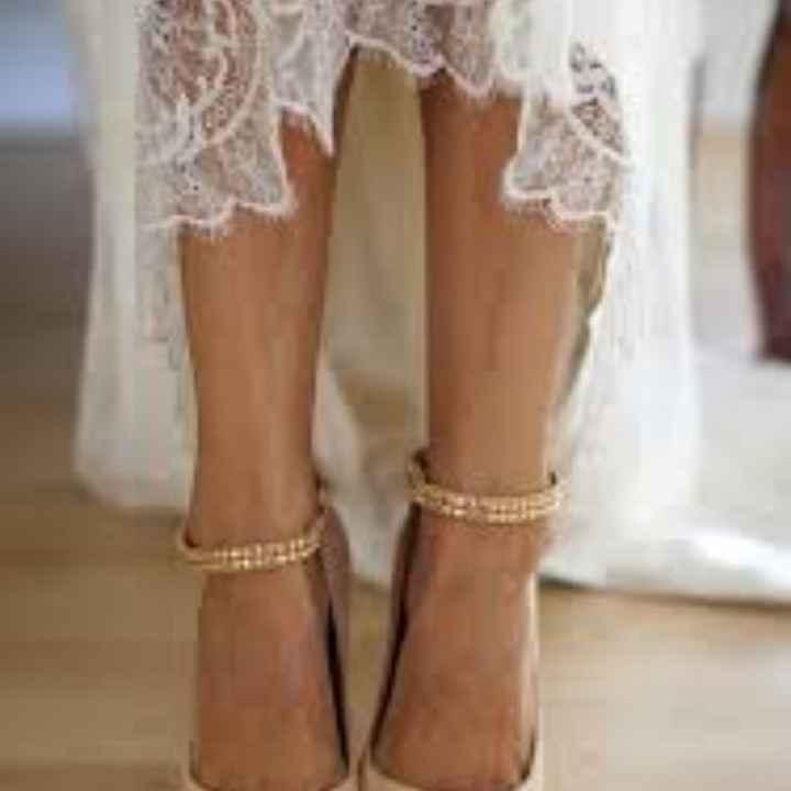 Sceglierete delle scarpe colorate, bianche oppure color nude? - 2