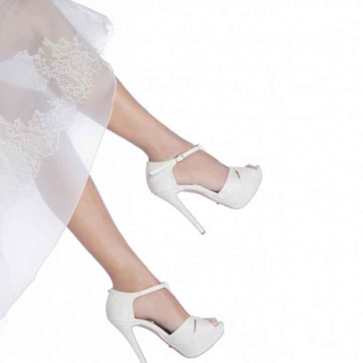 Sceglierete delle scarpe colorate, bianche oppure color nude? - 3