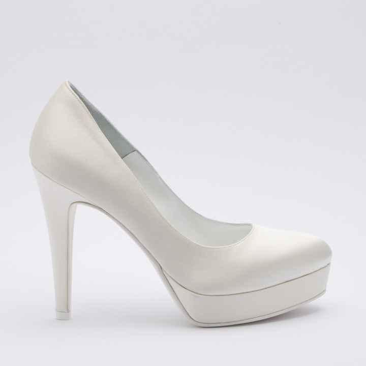 Avrete delle scarpe di raso oppure di pelle? - 1