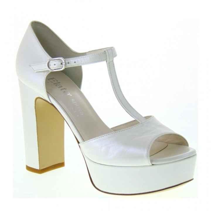 Avrete delle scarpe di raso oppure di pelle? - 2