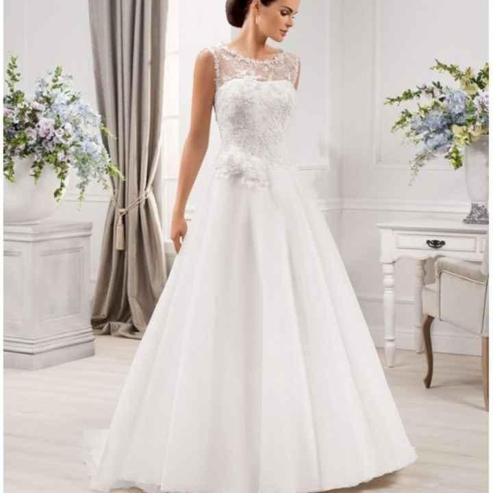 Come la preferite la gonna del vostro abito da sposa? Ricamata oppure semplice? - 2