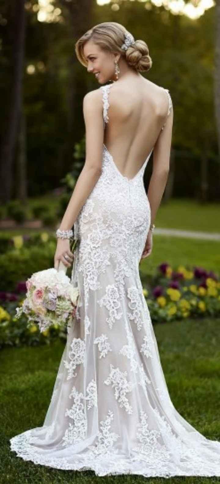 Abiti da sposa, meglio con la schiena scoperta oppure con una profonda scollatura? - 1