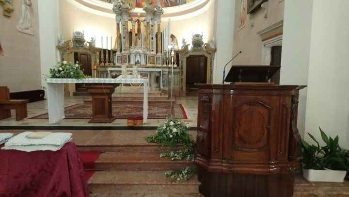 Allestimenti altare e lato leggio