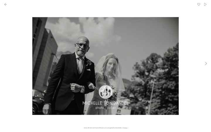 Io e papà che entriamo in chiesa