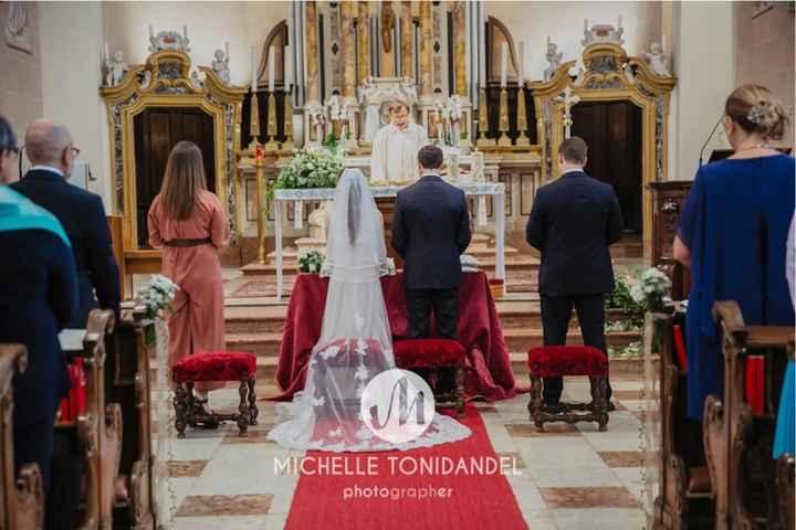 Sposa alla sinistra dello sposo