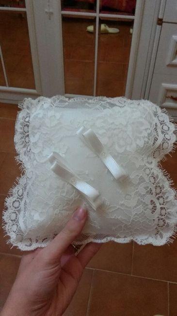 Ecco il mio cuscino porta fedi - 1