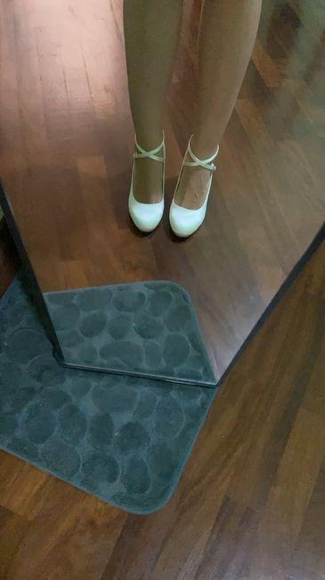 Che scarpe avete scelto per il vostro matrimonio? 7