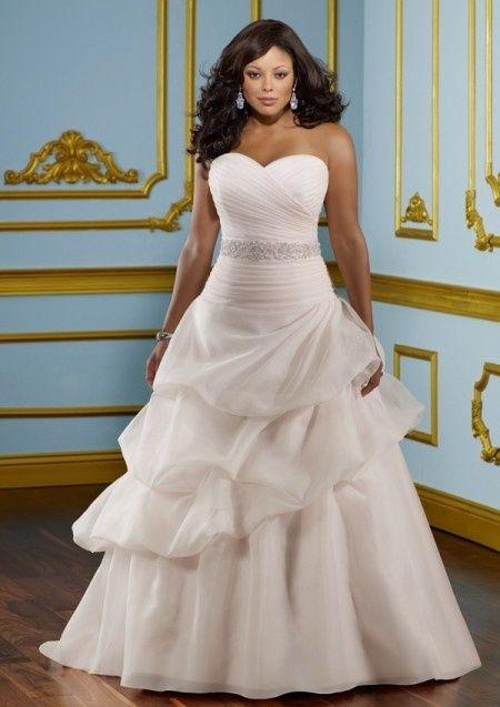 Vestiti Da Sposa Taglia 46.Spose Taglie Comode No Problem Ecco Qualche Modello