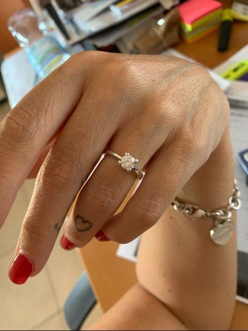 Che tipo di anello hai ricevuto alla proposta? 6