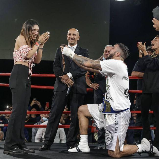 Dare l'anello sul ring - La proposta del pugile Mattia Faraoni 💍🥊 2