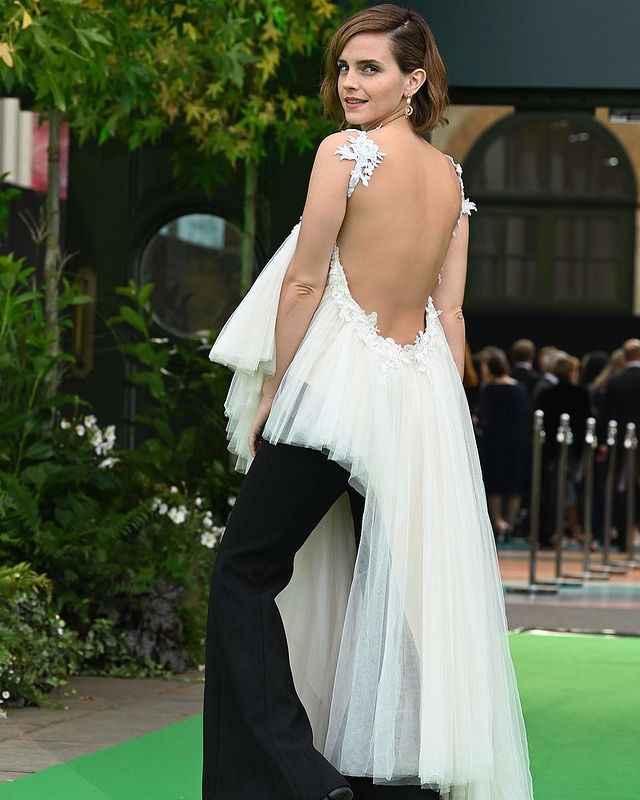 Emma Watson sceglie un abito da sposa riciclato per la cerimonia del premio Earthshot 🌎 - 1