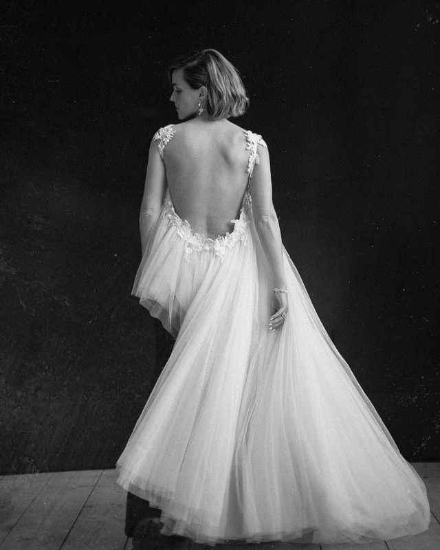 Emma Watson sceglie un abito da sposa riciclato per la cerimonia del premio Earthshot 🌎 - 4