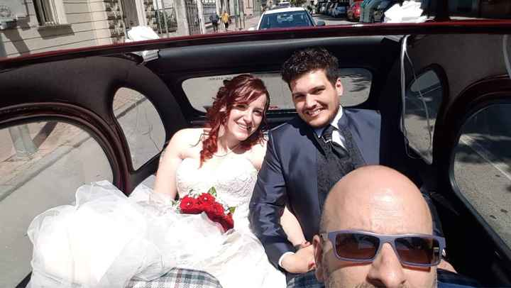 Abito da sposa e auto - 1